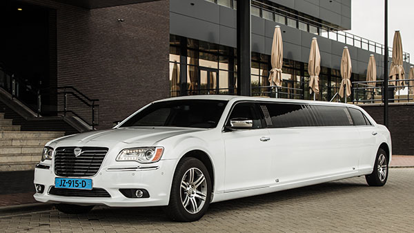 Chrysler 300 Hollywood Limo (*NIEUW)