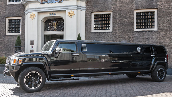 Hummer superstreched limo zwart